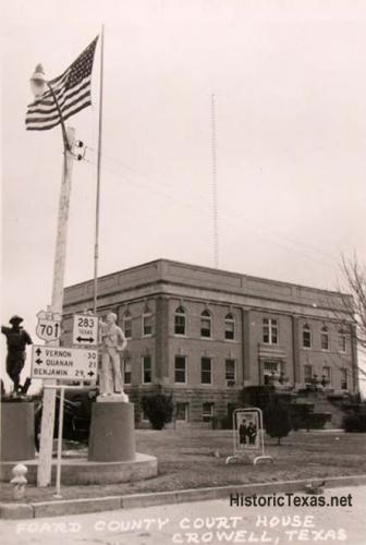 Foard County Courthouse, Crowell, Texas 1950s