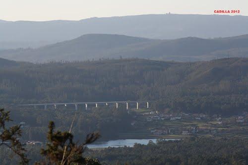 viaducto e base do monte iroite