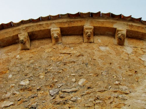 Canecillos, Iglesia de Pecharromán. Segovia.