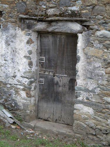 Puerta al granero (Barreiras-Cariño-A Coruña)