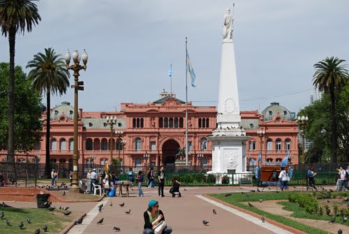 Plaza de Mayo a prezidentský palác Casa Rosada - Buenos Aires