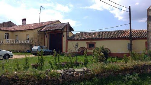 Iñigo. casas del pueblo