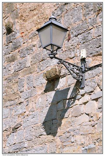 Farol con piedras, Usetxi (Navarra)