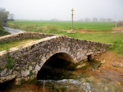 Martís. Pont romà i creu de terme
