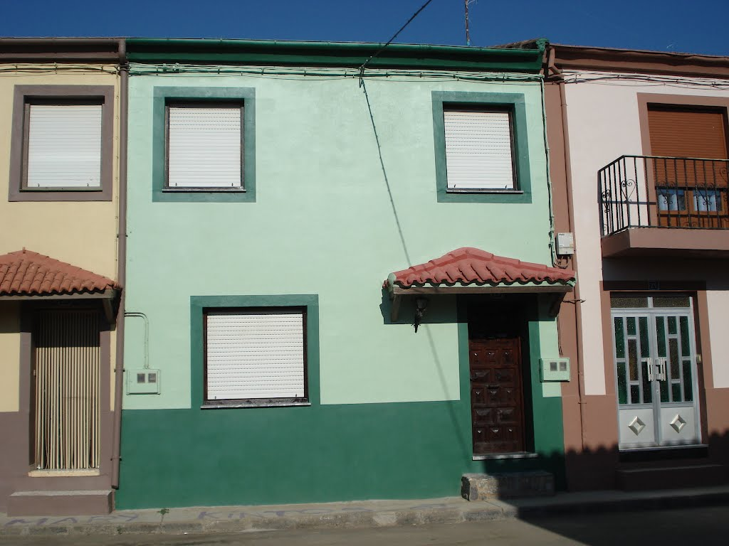 Calle Santa Cristina, Manganeses de la Polvorosa, Zamora, España.