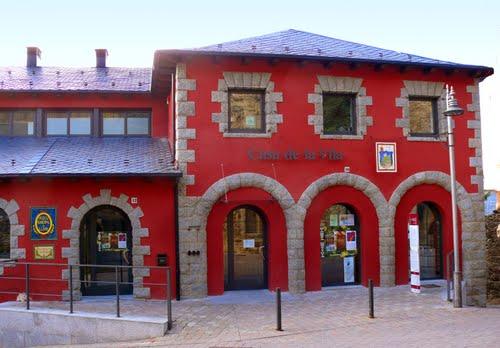 Llívia - Farmàcia-Museu i Casa de la Vila