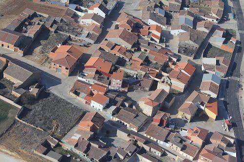 Vista aérea de la iglesia de Valcabado