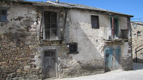 Old houses in the village of Acebo. Camino de Santiago.