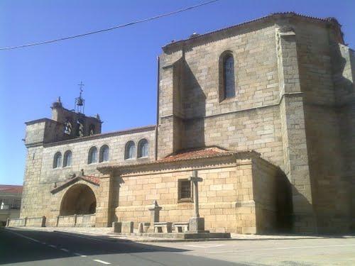Lateral de la iglesia de Villavieja de Yeltes.
