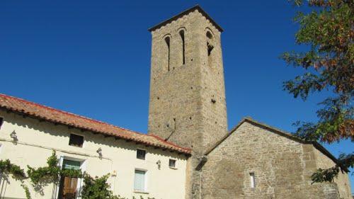 Triste (Huesca), iglesia y torre de construcción de origen románico del siglo XII.