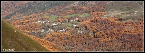 Villarrubín entre los castaños de otoño