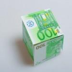 billets-en-euros-monnaie_19-139379