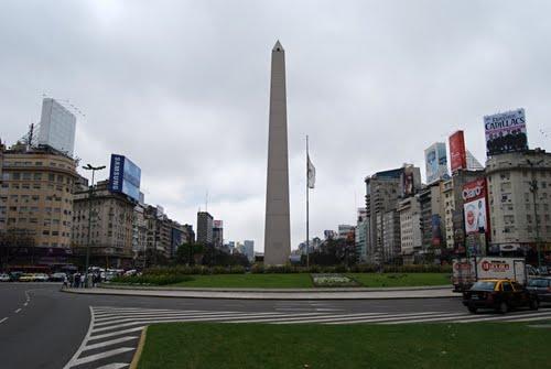 Třída Avenida 9 de Julio a obelisk - Buenos Aires