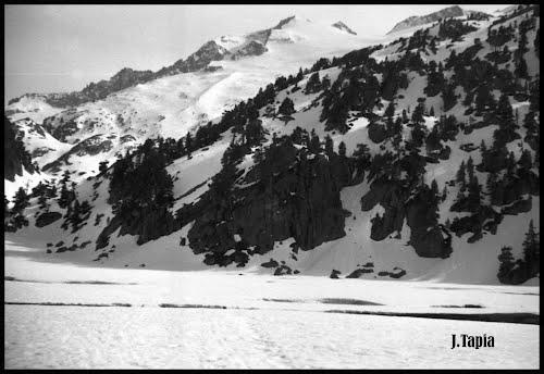 Maladeta Mountains Range, Pirineos (Macizo de la Maladeta, Pirineos) (2)