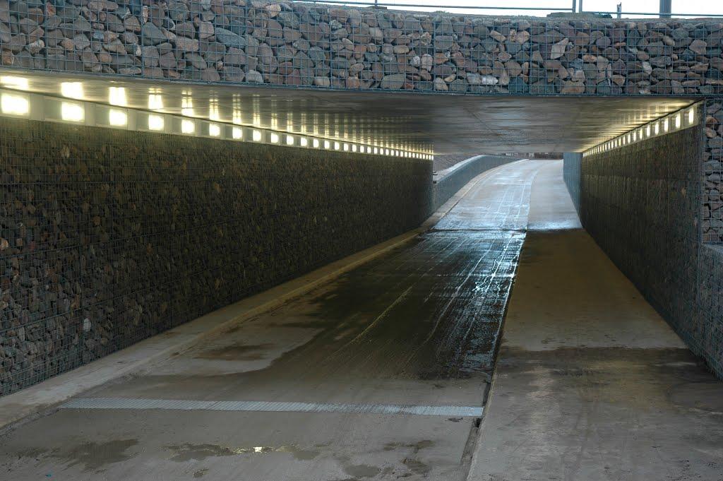 Fietstunnel onder rotonde
