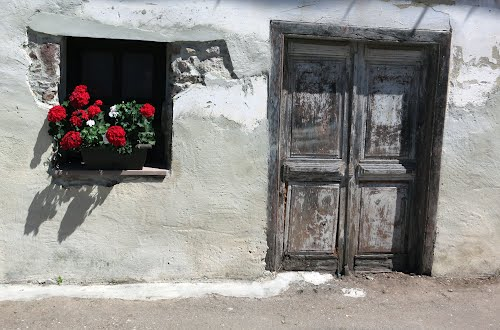 pared y puerta, santa eugenia, villaviciosa