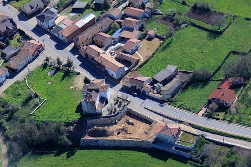 Vista aérea de la iglesia de Quintanilla de Rueda