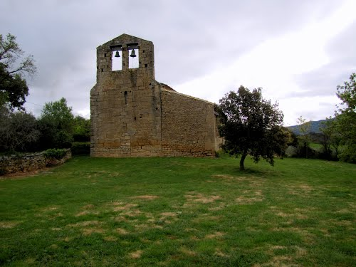 Eristain, vista general de la Iglesia de Santa María.JPG