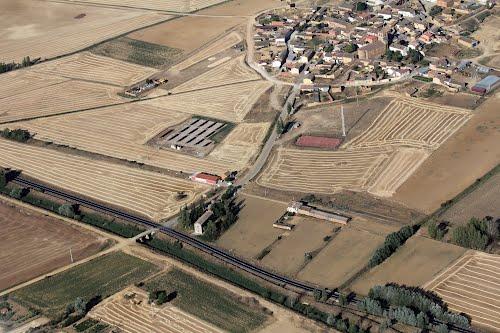 Vista aérea de Vidacidaler y el río Sequillo