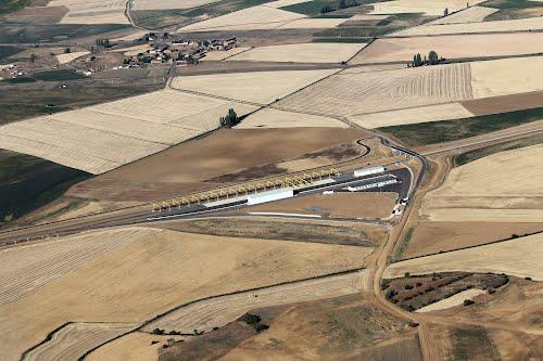 Vista aérea de las obras del AVE en Palencia y al fondo Pozuelos del Rey