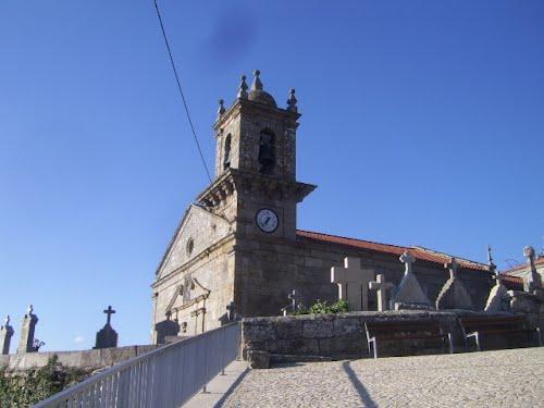 Igrexa de Atrio,Quintela de leirado.