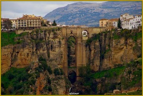 Puente   de  Ronda (f) Enlarge  please  to  see  better.Dedicada   a mi amigo  **Ángel  González**