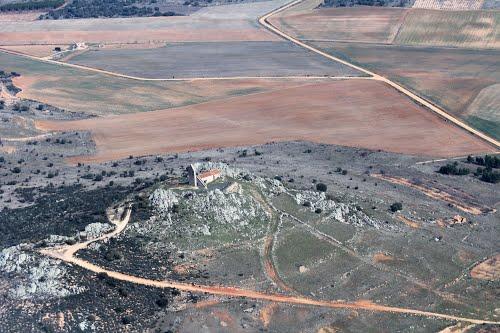 Vista aérea de la ermita de San Estéban, en Brime de Urz