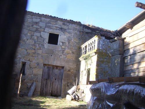 Patio da rectoral de Atrio,Quintela de Leirado.