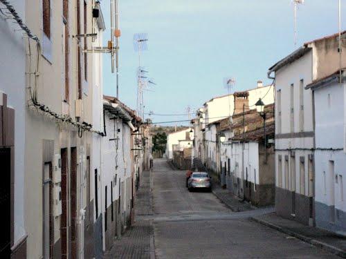 Calle de Hinojal. Tarde fresca de mayo de 2012
