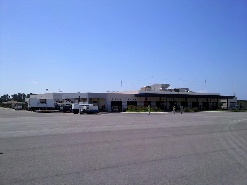 Araxos Airport (Αεροδρόμιο Αράξου, Аэропорт Араксос)