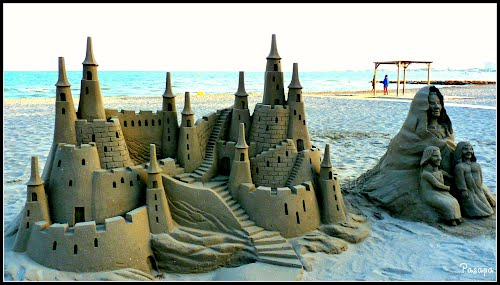 "< Castillos en la arena> Playa de La Puntica ( Lo Pagán), "" Sandcastle"" Enlarge."