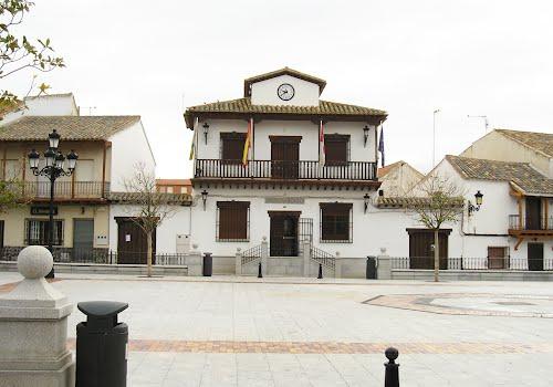 Plaza Mayor,el Ayuntamiento de Villaseca de la Sagra