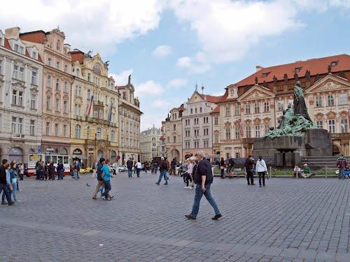 Altstädter Ring (Staroměstské náměstí) mit Jan-Hus-Denkmal, Praha, Prague, Prag