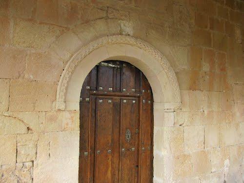 Iglesia de Santa Cruz. Portada (Escóbados de Abajo)