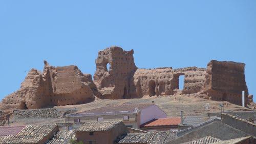 Vista del castillo de Serón de Nágima (Soria).