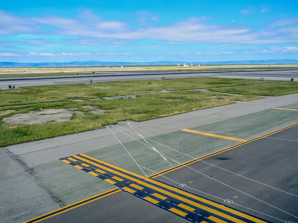 Holdingpoint 1L-19R Taxiway F KSFO, Flughafen San Francisco (SFO), San Francisco, Kalifornien 94128, Vereinigte Staaten