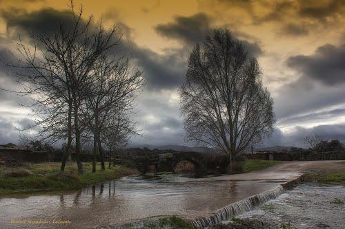 Río Tamuja a su paso por el puente romano