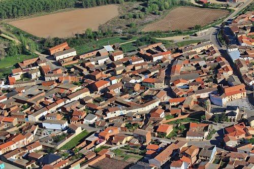 Vista aérea de la iglesia de Burganes de Valverde