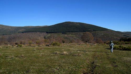 pico Cebollera Nueva y Dehesa de Somosierra desde Dehesa Boyal de Robregordo, 2010.