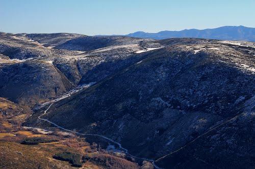 Vista aérea de la sierra de Villafranca sobre Navacepedilla de Corneja