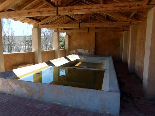 PUEBLA DE BELEÑA (Sierra Norte-Guadalajara). 2014. 89. Antiguo lavadero público.