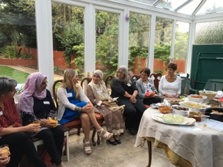 South-West London Nisa-Nashim holds a pot luck lunch