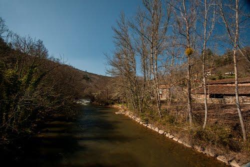 ???? ???? ????.  Aguas del rio Ebro.