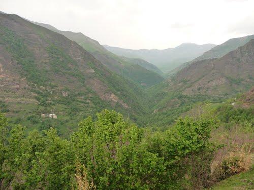 La vall de Castanesa cap a la capçalera, Montanui.