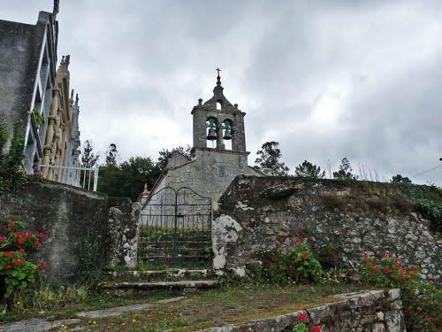 Vila de Cruces. Fontao. Igrexa de Santiago.