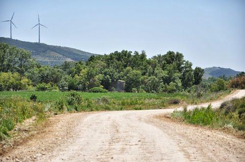 Molino de Cabués / Vergalijo desde el camino de Falces (Miranda)