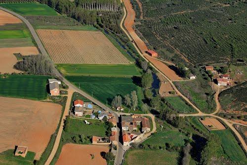 Vista aérea de Cunquilla de Vidriales y río Almucera