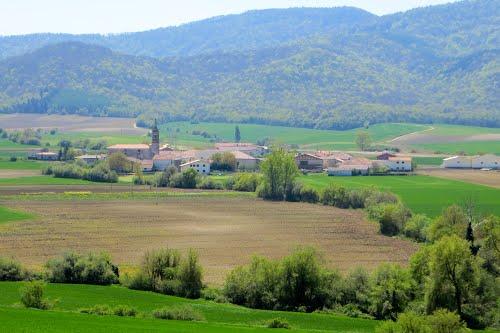 Desde Acilu (  en vasco: Azilu), vista de Adana (Álava). País Vasco. Spain.