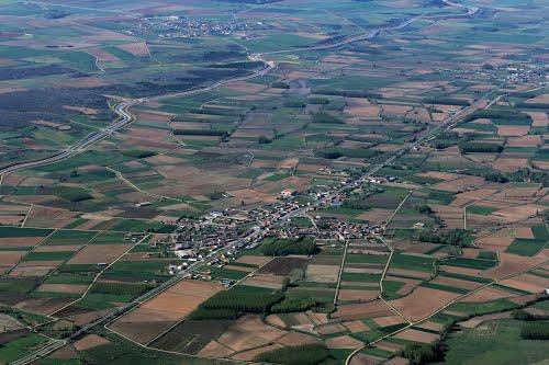 Vista aérea de Quintana de Rueda y el canal de los Payuelos