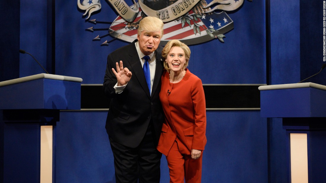 """Alec Baldwin plays Trump and Kate McKinnon plays Clinton in a """"Saturday Night Live"""" skit on October 1, 2016."""